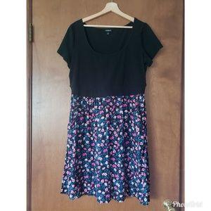 Torrid size 1 black and floral dress
